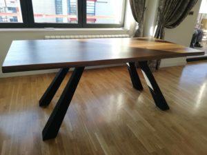 drveni stolovi po meri